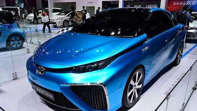 丰田新能源神车,不烧油不费电排的是水,有了它还买电动车吗?