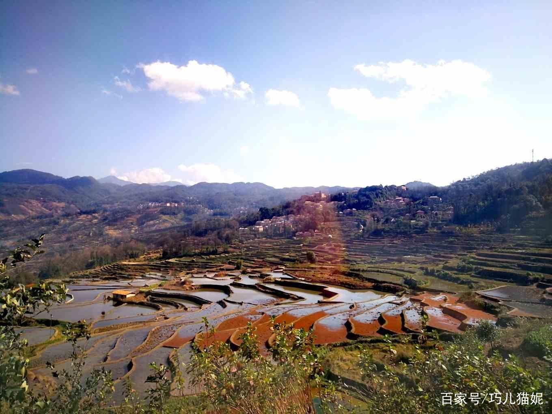 元阳梯田位于云南省元阳县的哀牢山南部