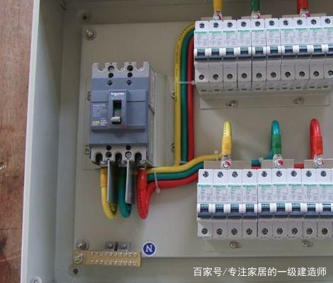三相电怎么接220V电热水器?需要注意什么?