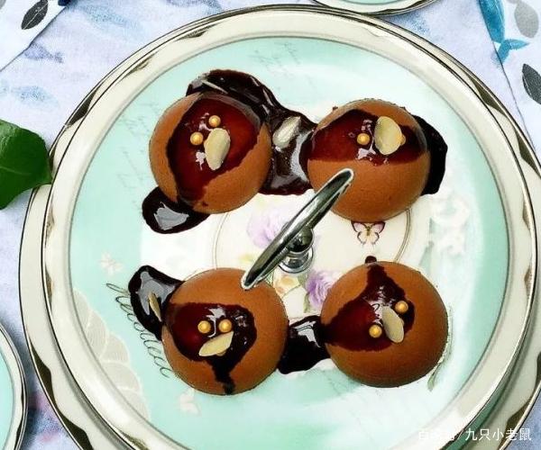 不用烤箱,随便搅一搅做出法式巧克力慕斯蛋糕
