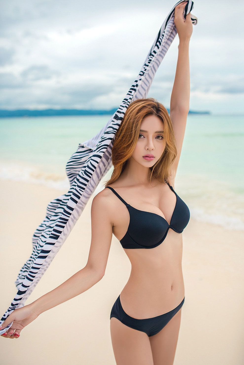 韩国黄金比例泳装美女比基尼美图集合\金宝岚泳装比基尼\金宝岚