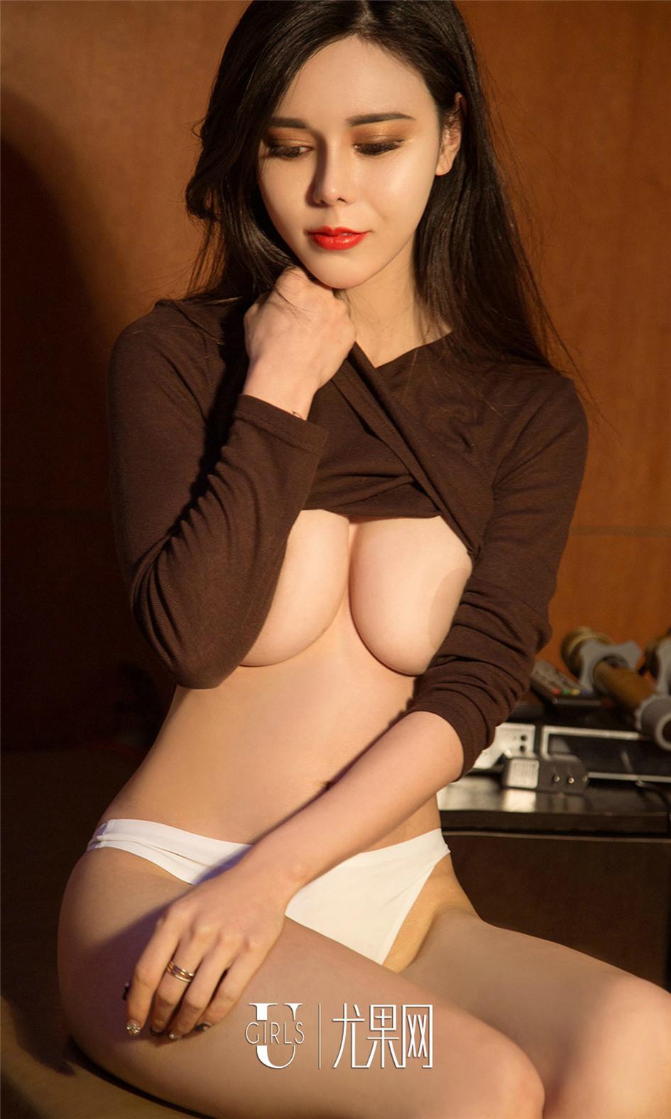 [尤果网] 超性感爆乳美女沈佳熹内衣照片 第672期
