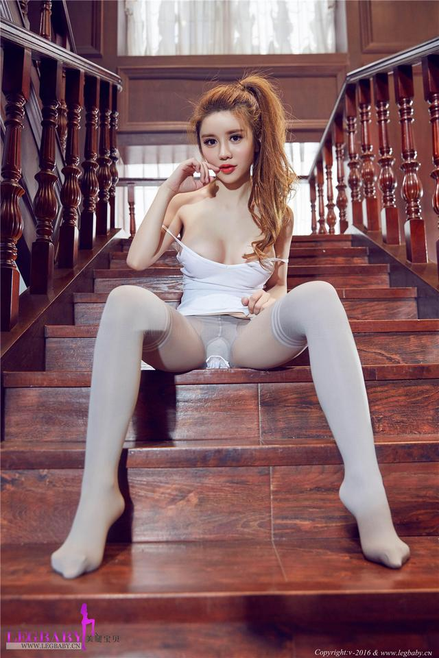 [美腿宝贝] 体操女生乔柯涵白丝美腿套图 NO.024