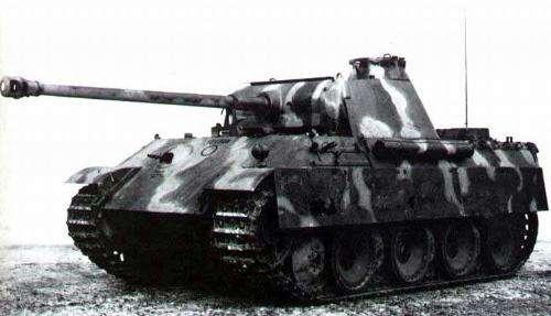 豹式坦克:2000米内轻松干掉美苏同类,被严重低估的德军二战坦克-