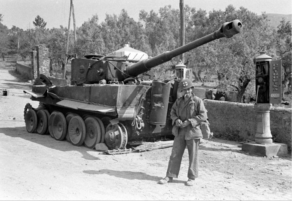 虎式坦克:可在1000米距离上,击穿任何苏联坦克-