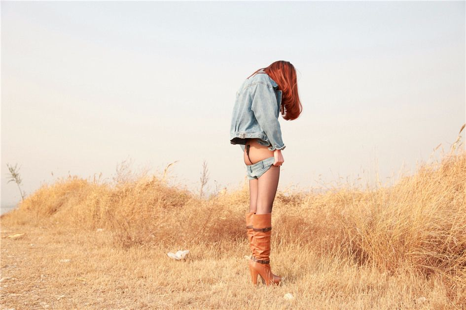 [AISS爱丝] 经典丝袜美腿外拍 第091期 我的C裤会振