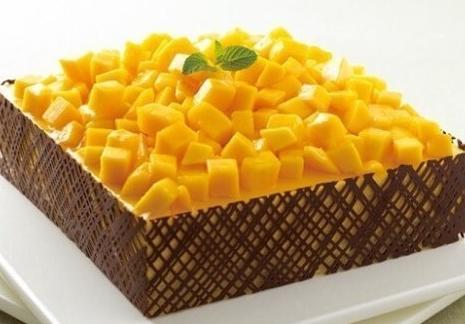 """""""清新芒果季"""",教你做芒果慕斯蛋糕,20块搞定,好吃又不贵!"""
