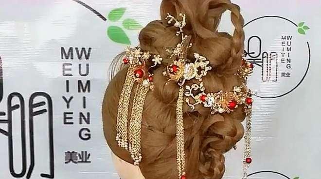 秀禾唐装新娘发型,复古华贵,给你一场难忘的中式婚礼!