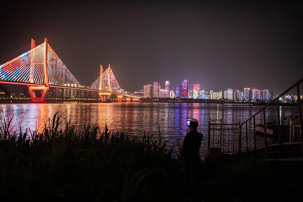 周一,长江武汉段。