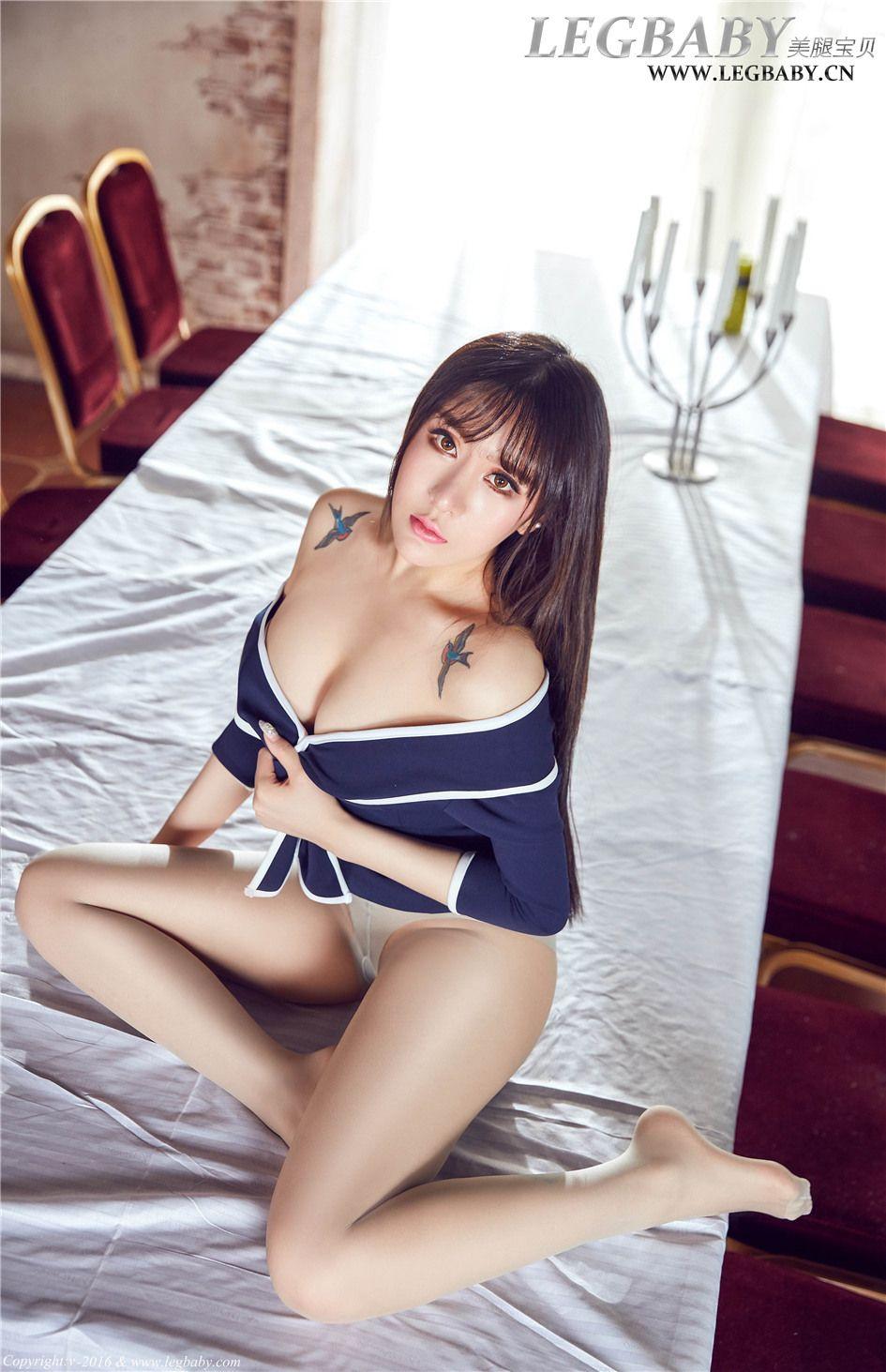 [美腿宝贝] Z罩杯超级大胸美女杨佩性感丝袜美腿  NO.0