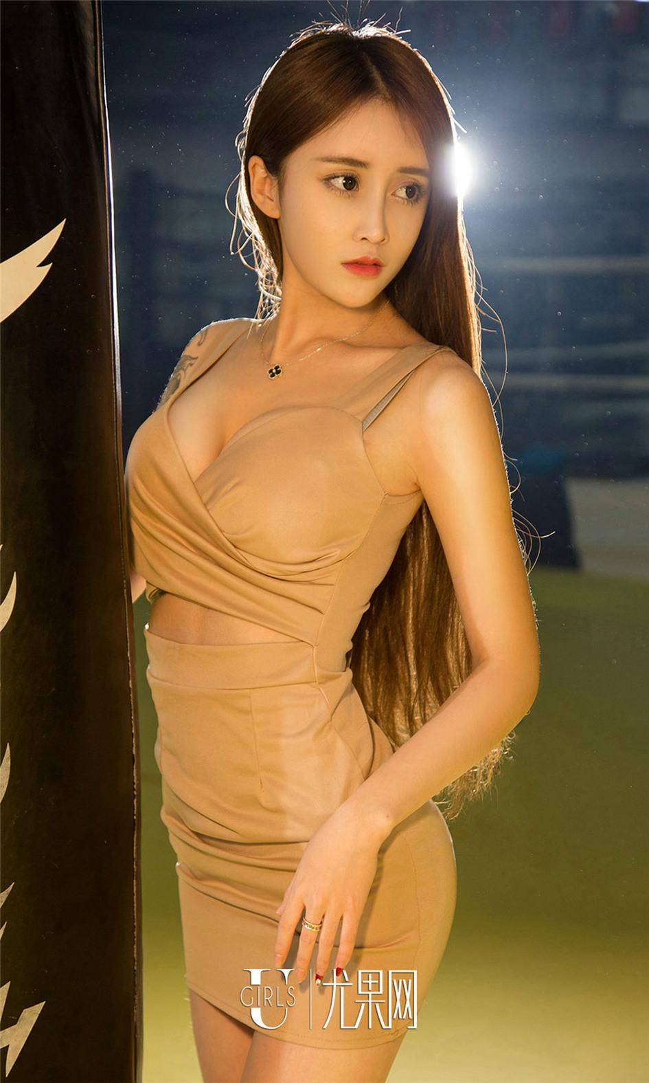 [尤果网] 亚洲纹身美女琪歌拳击场性感写真 第674期