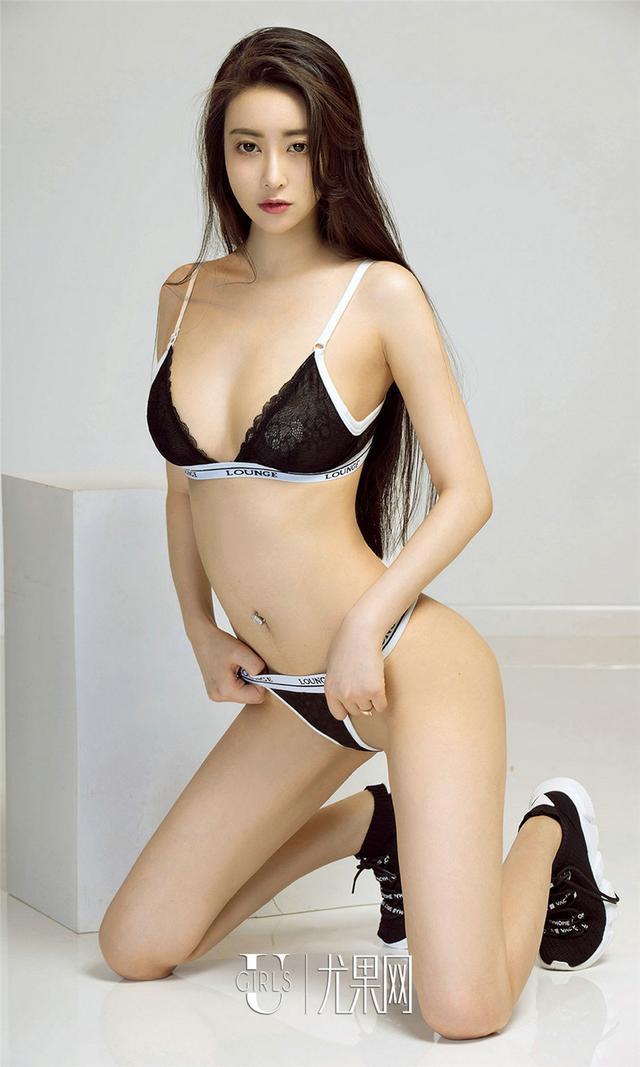 [尤果网] 高挑美女穆菲菲内衣秀 第848期