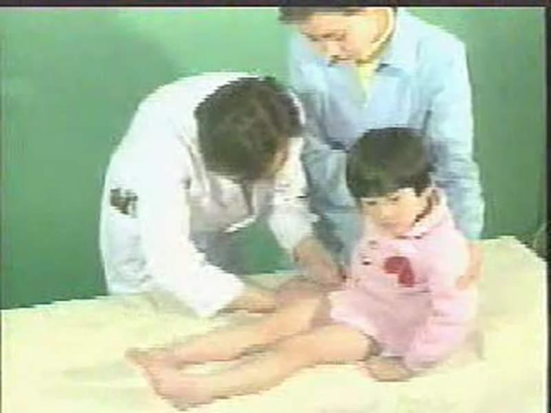 婴幼儿体格检查方法6_好看视频