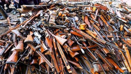 全球最大枪支市场,一把AK几十块,买枪就送上百发子弹!