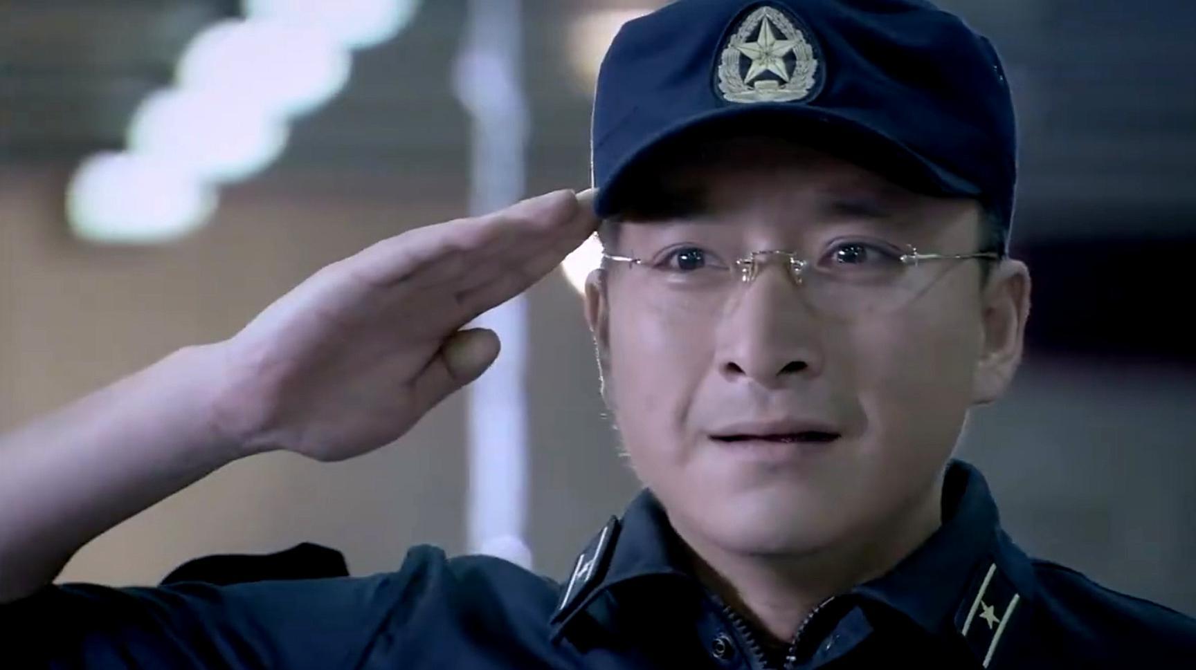军嫂比赛获奖,海军小伙儿热泪盈眶,整个海军舰队都沸腾起来!