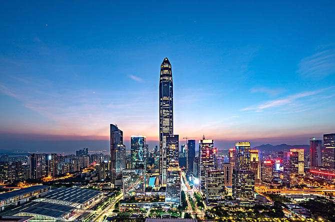 广东成中国首个GDP过10万亿元省份