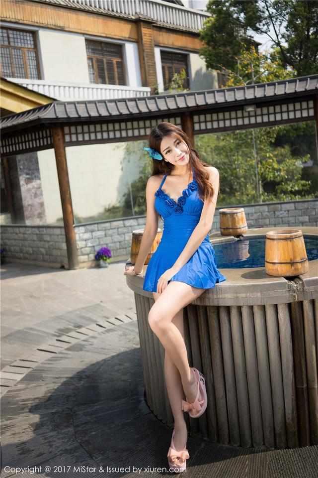 [魅妍社] 气质高贵美女小蕾蕾高清写真套图 VOL.169
