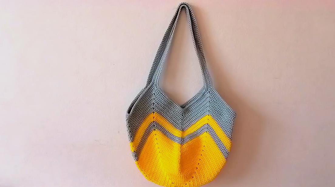 鉤針編織美觀大方的毛線小包包,成本不到10元,太漂亮了