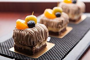原来栗子蛋糕这么好吃啊,赶紧排队去买!