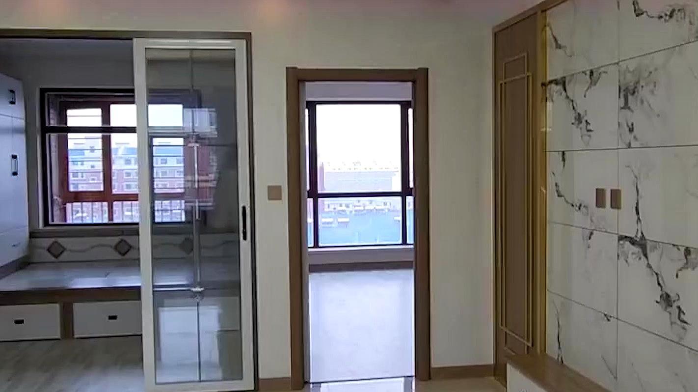 实拍美籍华人在中国买的房子,看到这一幕,你还想出国吗?