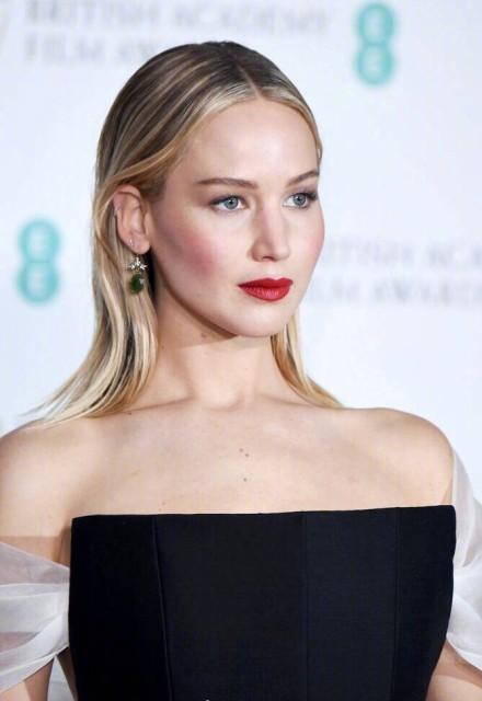 """好莱坞著名""""傻大姐"""",耿直的个性遭人嫌,却是最有钱的女演员?"""