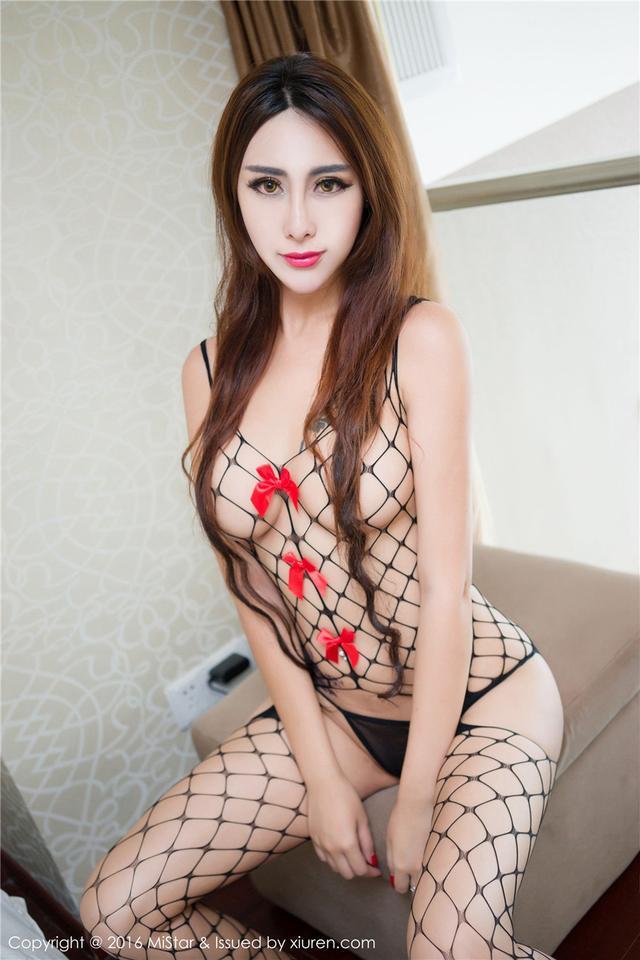 [魅妍社]绝色美女FoxYini孟狐狸连身网袜性感图片VOL