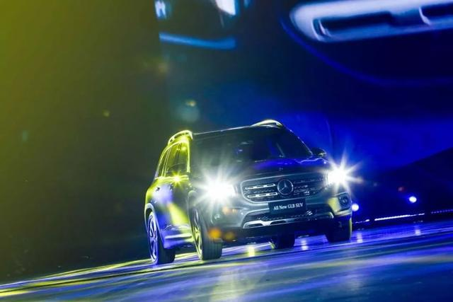 奔馳5+2座豪華SUV GLB上市 售價31.48萬-35.48萬