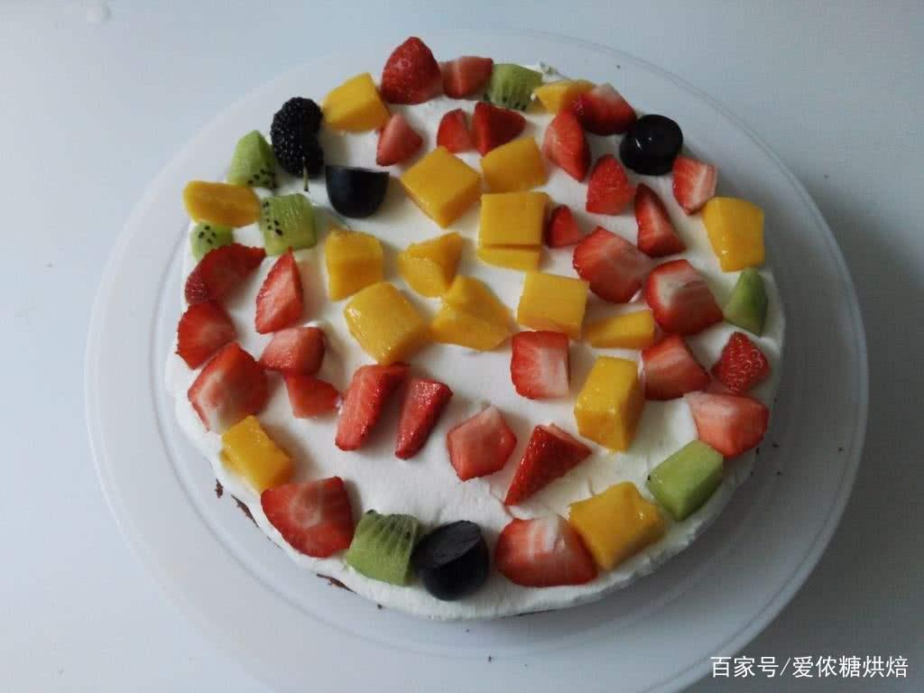 教你几个诀窍,小白也可以用戚风蛋糕制作生日蛋糕