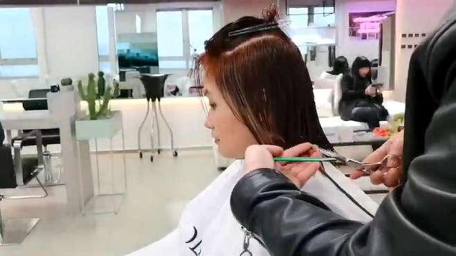 今天分享的这款发型 对于椭圆脸女生来说是一款相见恨晚的发型