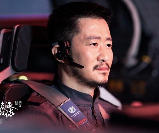 黄晓明拒演《流浪地球》被吴京捡漏?本尊深夜发声回应了