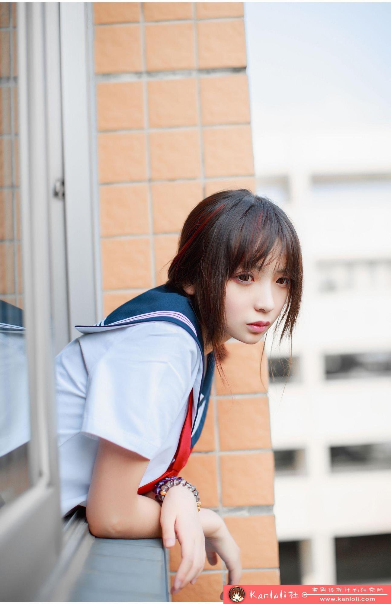 【疯猫ss】疯猫ss写真-FM-026 教室里校花的制服诱惑 [29P]