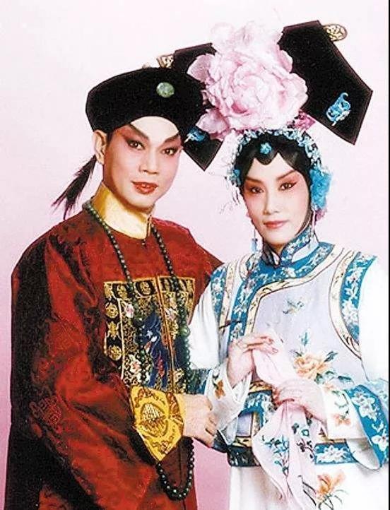 厉害!73岁香港著名演员办粤剧讲座打破世界纪录老婆开香槟庆祝