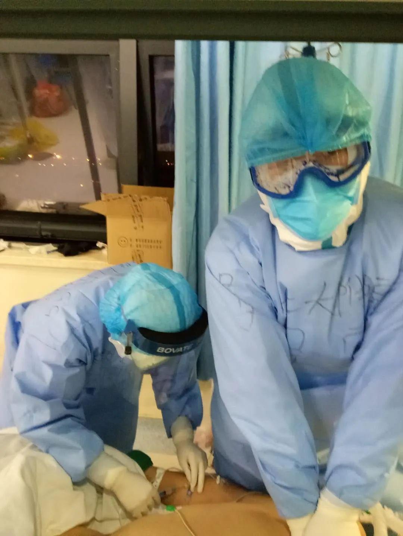 延安大学附属医院:逆向而行的 80 后男护士