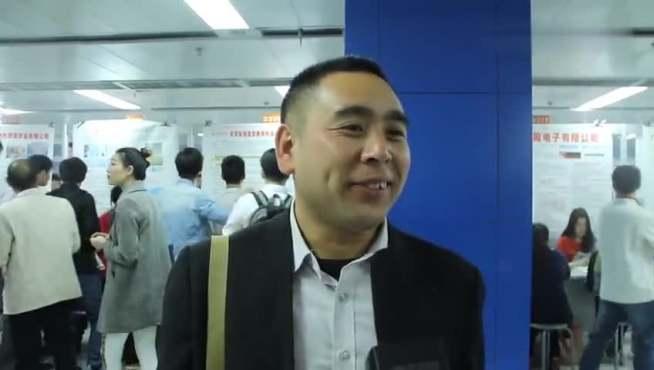 广州招聘会现场,看应聘者和用人单位怎么说?