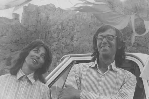 1972年,科罗拉多州赖福尔峡谷上约23226平方米的《山谷幕帘》被狂风严重毁坏。克里斯托和让娜-克劳德似乎依然无所畏惧。
