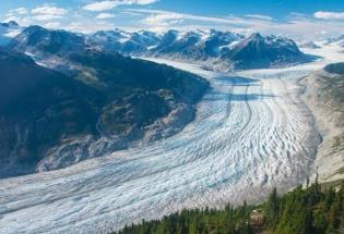 气候变化:全球冰川融化速度加快