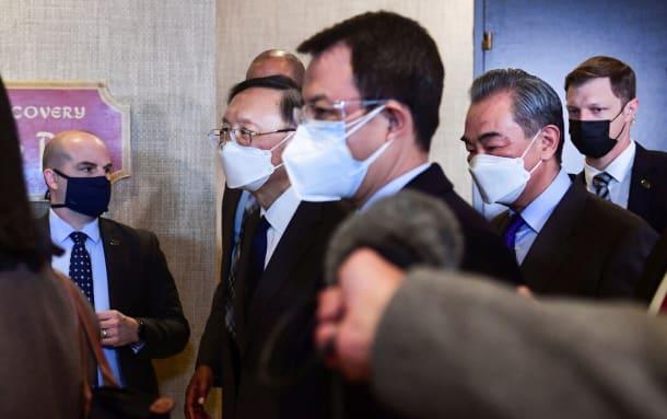 上周五与布林肯会晤后的中国代表团。