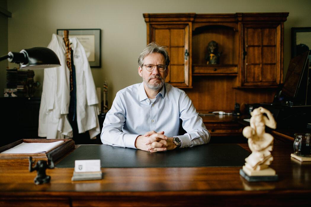 杜兰中心的副主任斯基普·鲍姆曾推动建立战略性猴子储备。