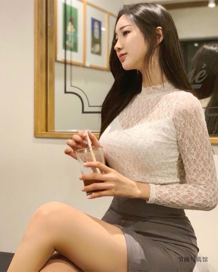 韩国美腿OL美女@nanaring性感写真,美艳气质外型有够撩人