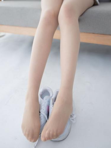 【森萝财团视频】 森萝财团写真 – JKFUN-050 百圆定制2-1 运动鞋13D肉丝 Aika [高清原版视频在线播放]