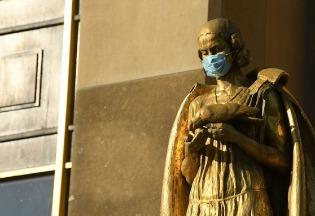 城市与疫情如何互相影响:欧洲黑死病和1918年流感大流行的启示