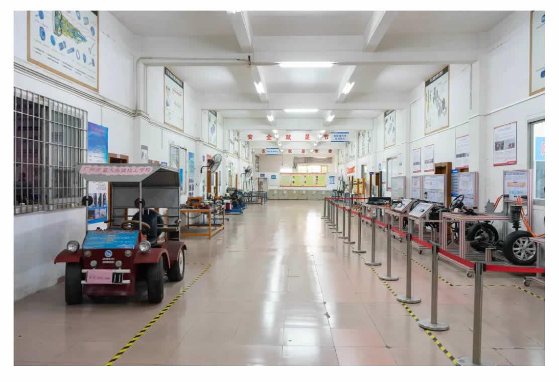 专业介绍 _ 新能源汽车检测与维修(高中起点三年制)-1_r5_c1.jpg