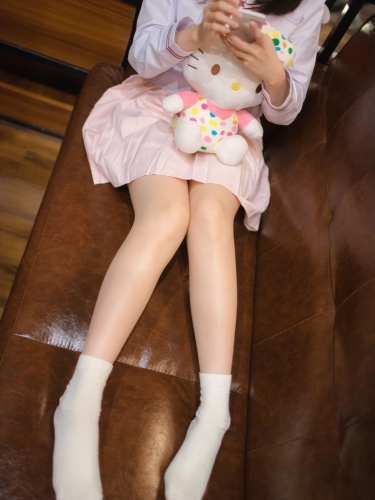 【轻兰映画】轻兰映画 VOL.005 日系美腿白棉袜 [46P-427MB]
