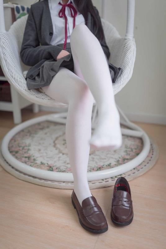 微博红人网红Coser@雪琪 – JK白丝 [46P/208MB]