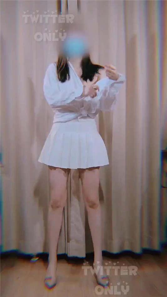 图片[2]-露出抖音风网红@咚小姐 近期裸舞新作合集[3P+59V/478MB]-醉四季