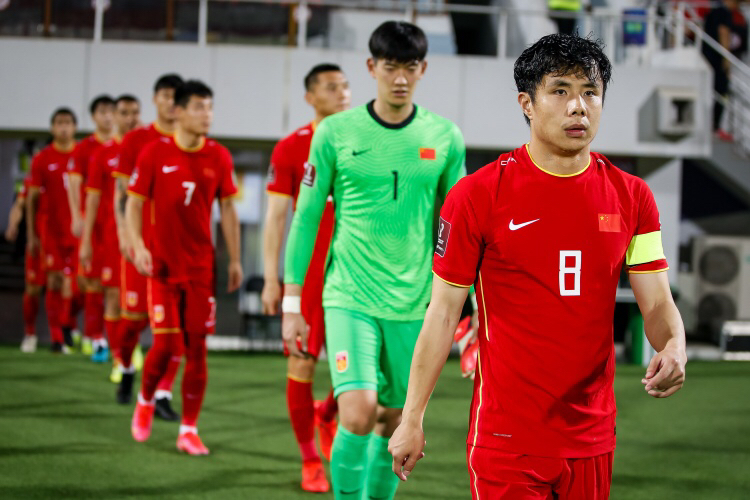 国足冲击世界杯,广州恒大新队长引关注,这次真没失误空间了