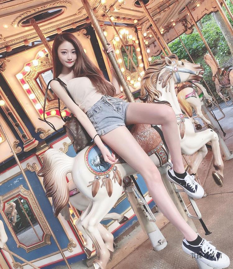 小甜心@雨停性感写真图片,腿控不可错过的小只马
