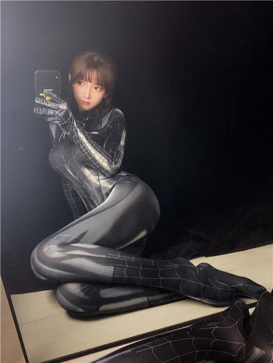 一小央泽 - 黑蜘蛛 [30P/125MB]