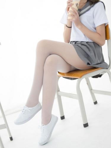 【森萝财团视频】 森萝财团写真 – JKFUN-052 白丝网鞋合辑 13D白丝 默陌+芝士 [高清原版视频在线播放]