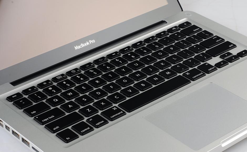 """苹果Macbook屏幕再现""""排线门"""",免费检修""""厚此薄彼"""""""